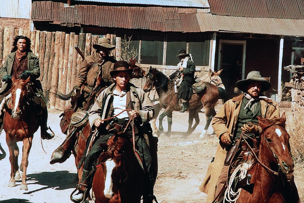 young guns horseback training emilio estevez lou diamond phillips dermot mulroney casey siemaszko